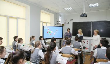 """У Харкові з'явився ще один """"Почесний працівник освіти"""" (відео)"""