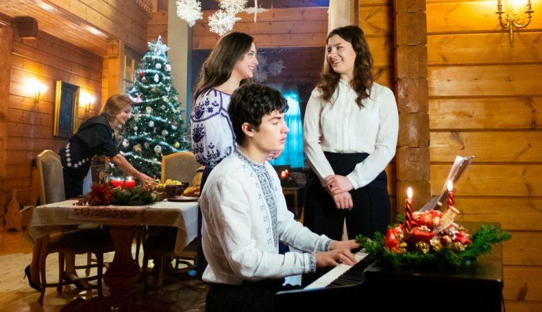 В этом году Рождество для нас – двойной праздник – Петр Порошенко