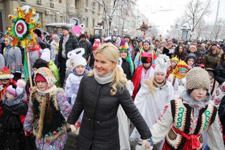 Светличная присоединилась к участникам и гостям фестиваля «Вертеп-фест – 2019» (фото)