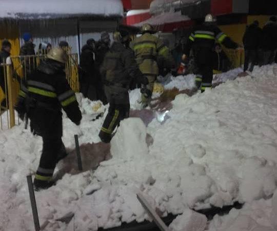 Падение металлической конструкции на ст. м. «Им. А. С. Масельского»: пострадали три человека