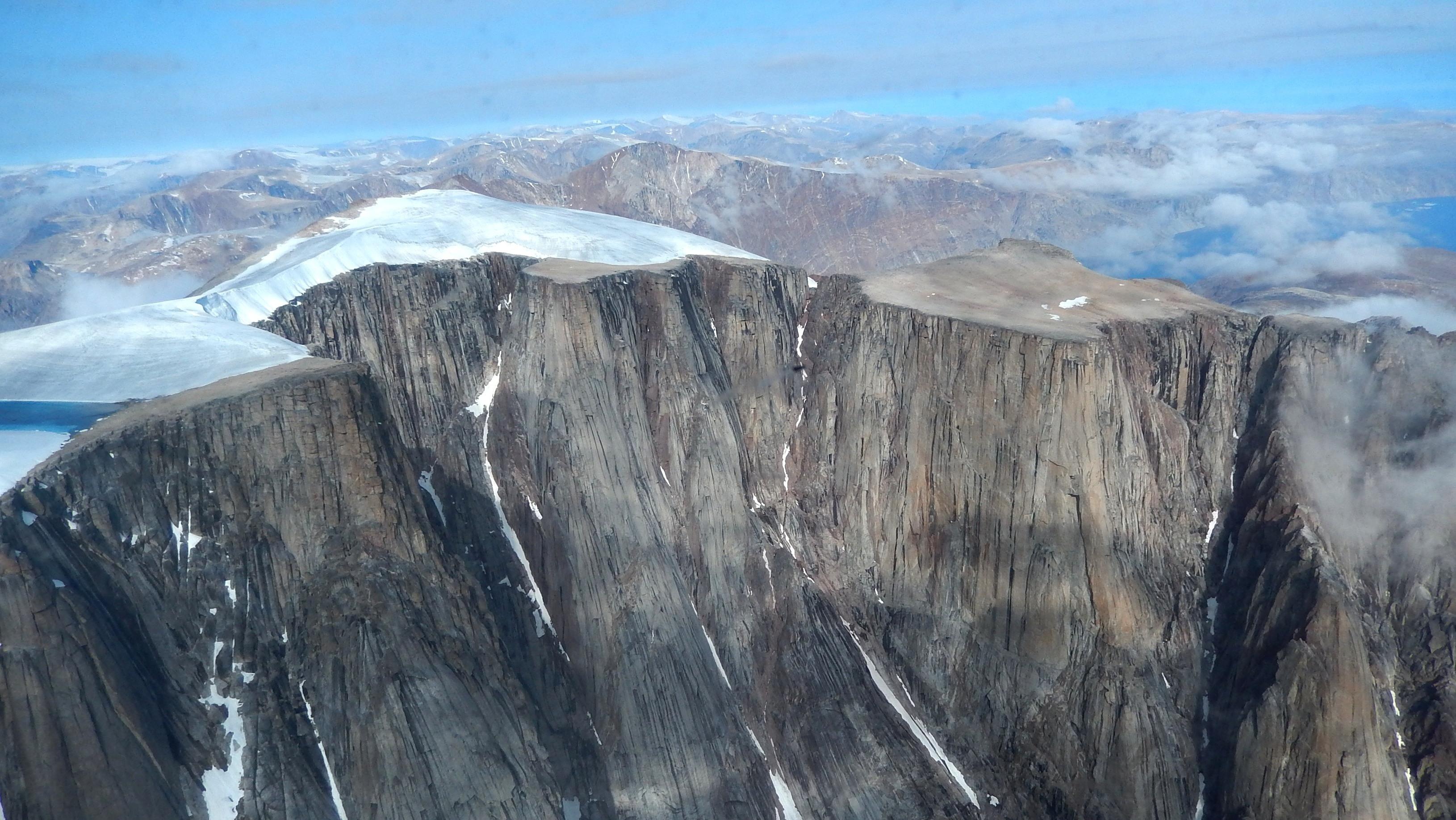 Глобальное потепление: в Канаде открылись ландшафты, которые были покрыты льдом десятки тысяч лет