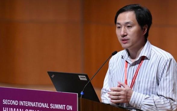 """Первые в мире дети с модифицированной ДНК: китайский ученый """"заплатит"""" за свою разработку"""