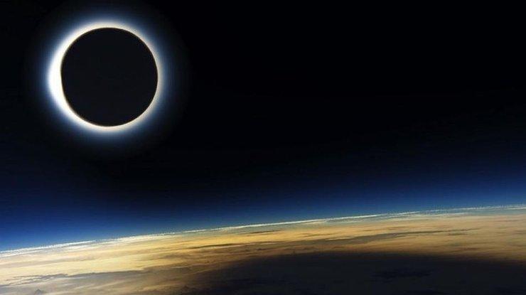 У січні відбудеться перше цього року сонячне затемнення (відео)