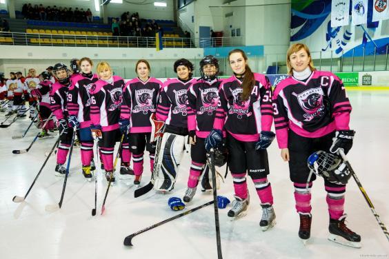 В составе женской сборной Украины по хоккею — семь харьковчанок
