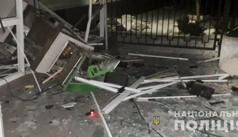 ВХарькове ночью неизвестные взорвали два банкомата