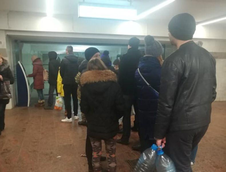 За сутки карточки на метро в Харькове пополнили почти на 17 миллионов гривен