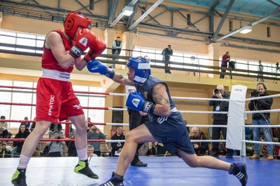 На чемпионате Украины по боксу среди женщин харьковчанки завоевали 5 золотых наград