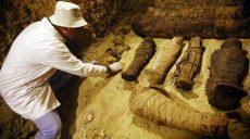 В Египте археологи раскопали десятки мумий (фото)