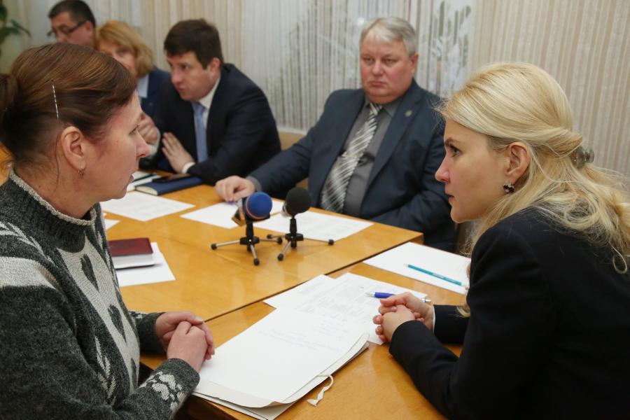Губернатор Харківщини провела особистий прийом громадян у театрі для дітей та юнацтва (відео)