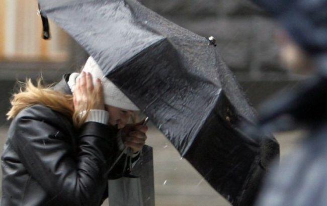 Синоптики предупреждают о сильном ветре на всей территории Украины