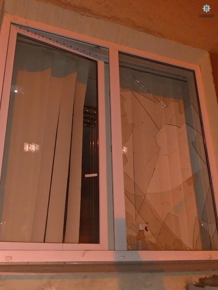 На Дружбы Народов обнесли квартиру (фото)