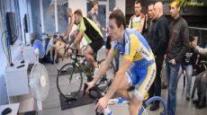 Велогонка на компьютеризированных тренажерах