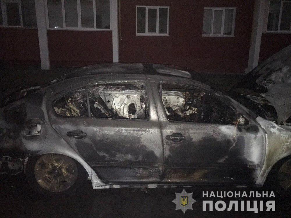 Полицейские проводят проверки по фактам возгорания пяти автомобилей в Харькове