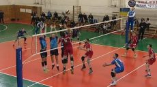Харьковские волейболисты вышли в полуфинал суперлиги