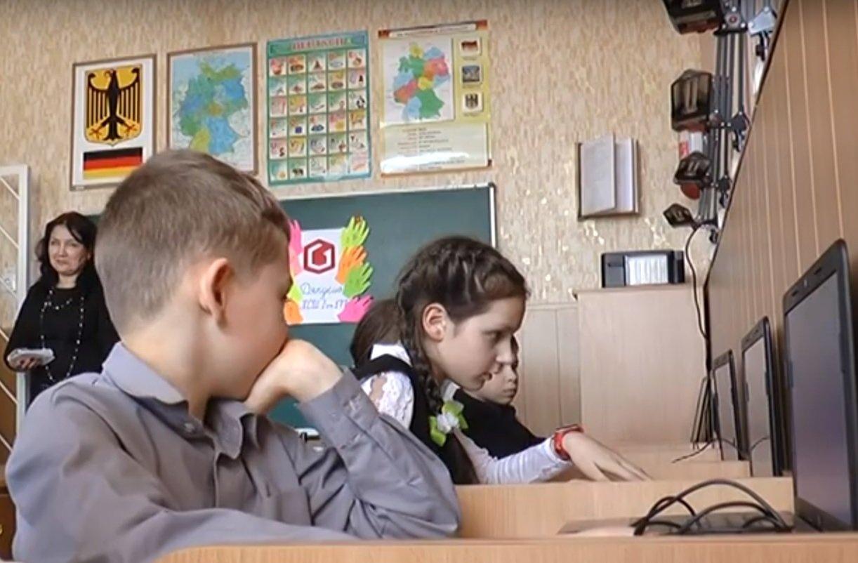 На Салтівці учні навчальних класів ЗОШ навчатимуться за допомогою нового технічного обладнання (відео)