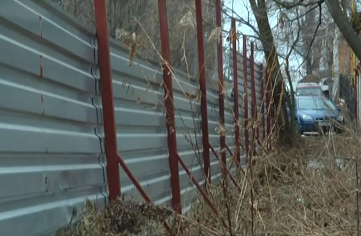 Конфлікт між забудовником та мешканцями багатоповерхівки у Харкові (відео)