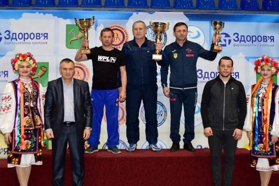 Харьковские борцы победили на домашнем чемпионате Украины (фото)