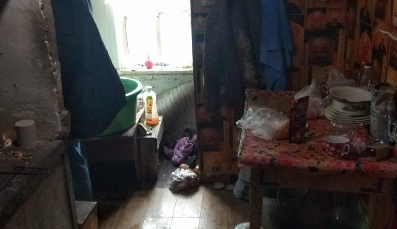 На Харьковщине родители довели ребенка до смерти