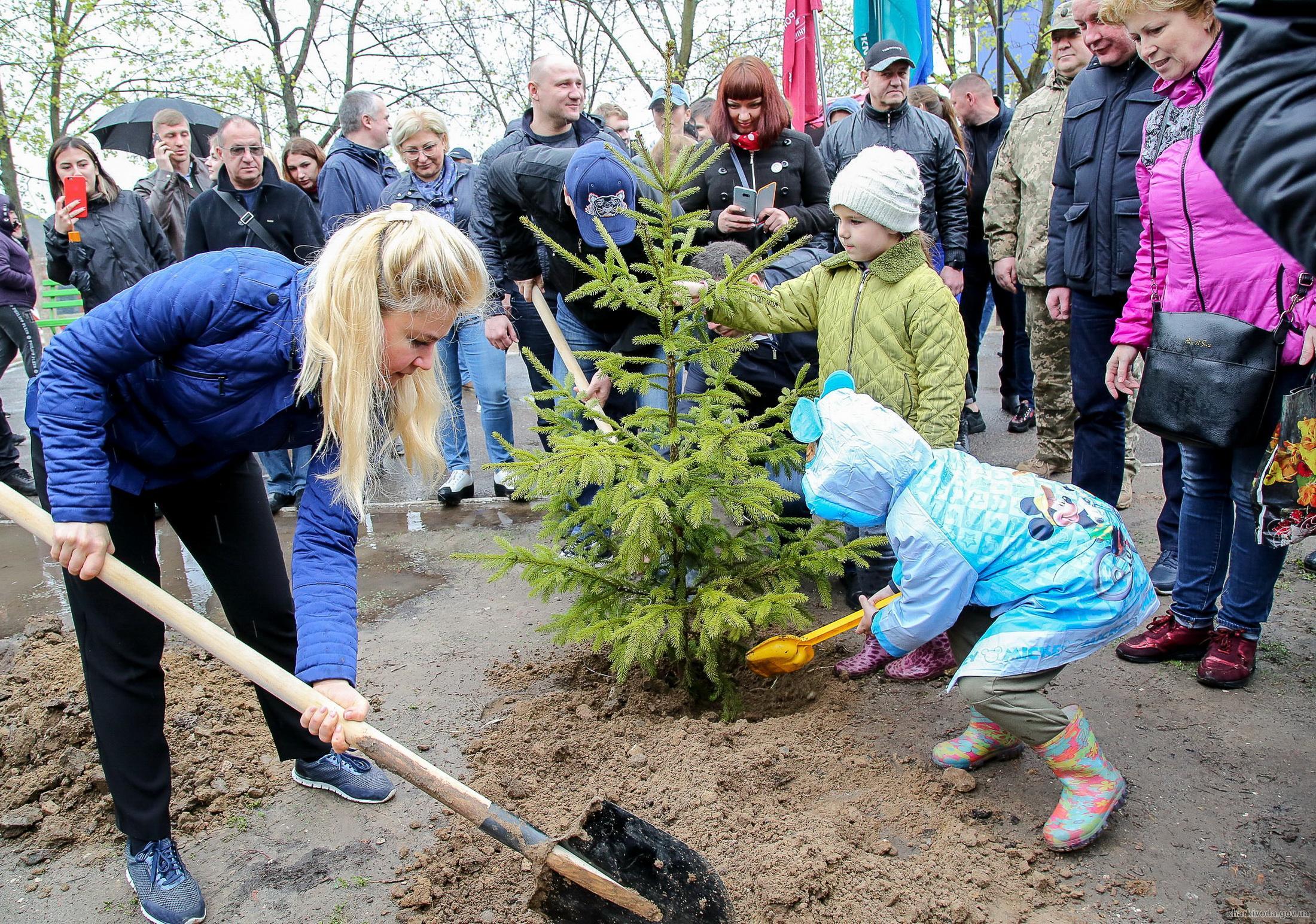 На Харківщині стартувала акція «Посади своє дерево» (відео)
