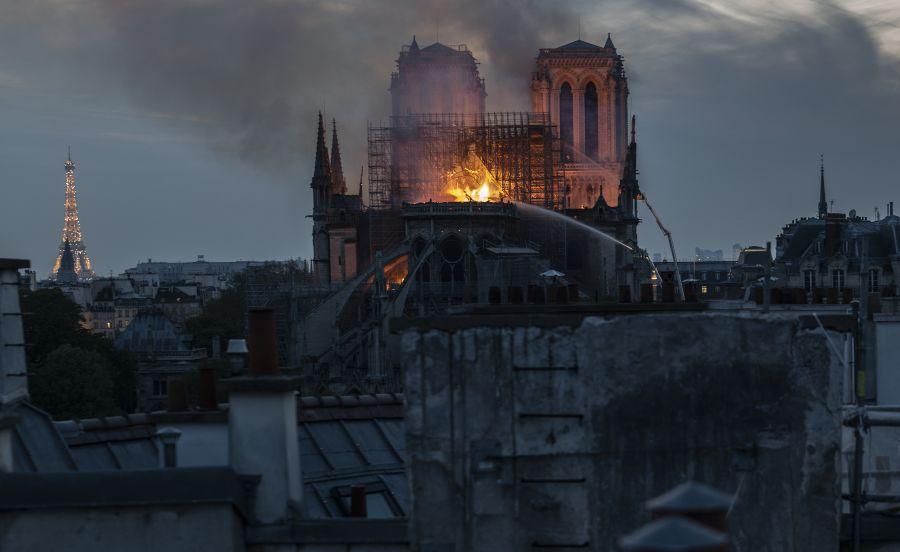 Пожар в Соборе Парижской Богоматери локализован