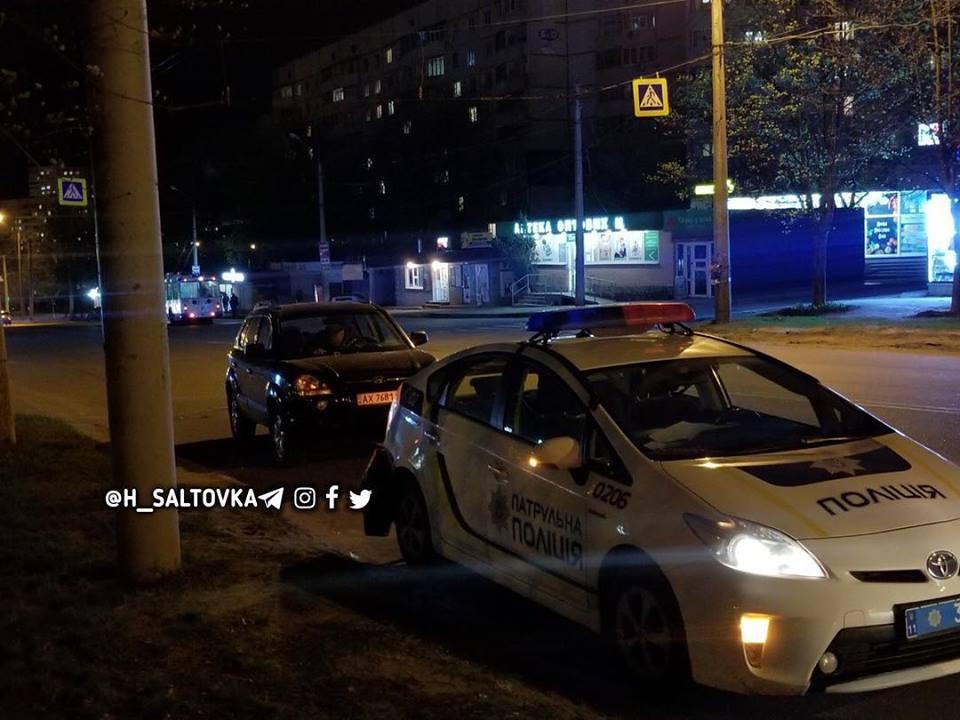На Гвардейцев-Широнинцев столкнулись патрульный автомобиль и легковушка (фото)