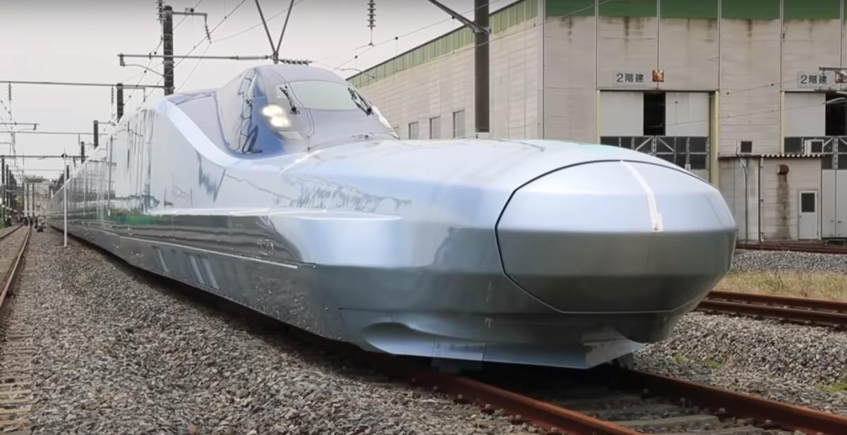 Самый быстрый в мире: в Японии тестируют один из видов общественного транспорта (видео)