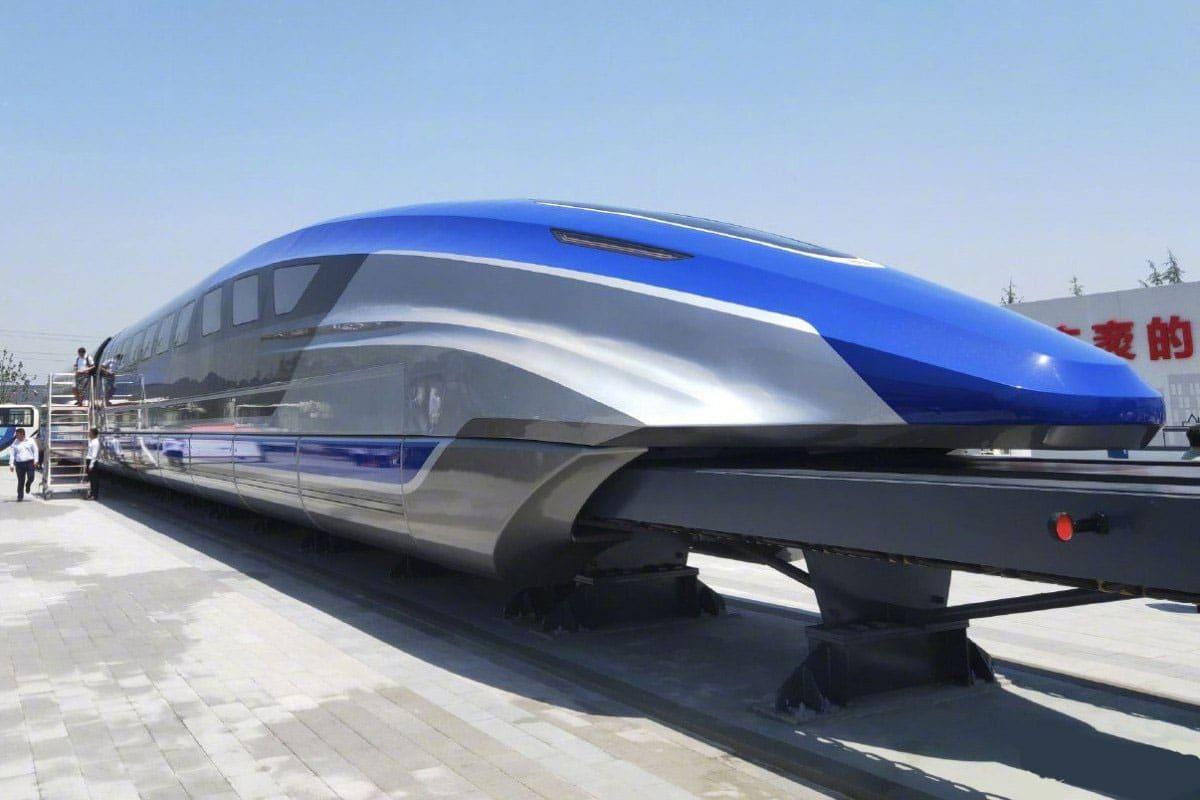 600 километров в час: в Китае показали самый быстрый поезд в мире (фото, видео)