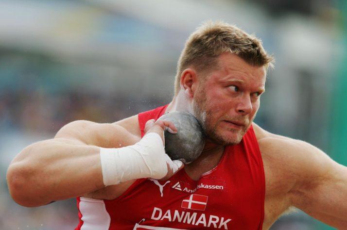 Политики должны быть с народом. Датский политик разместил предвыборную рекламу на порносайтах (фото)