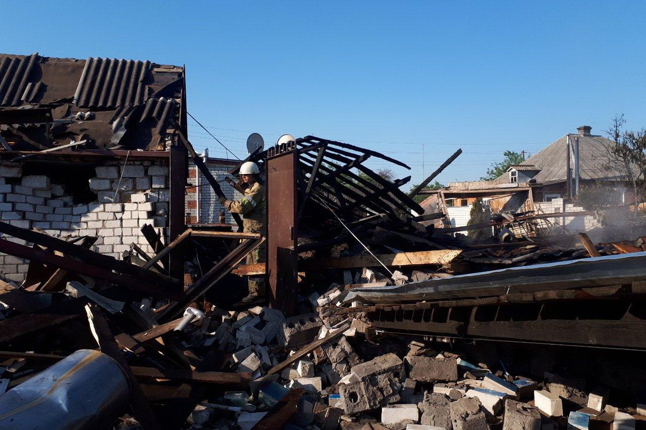 Взрыв на Харьковщине: сгорел Mercedes, у владельца обожжено 70% тела (фото)