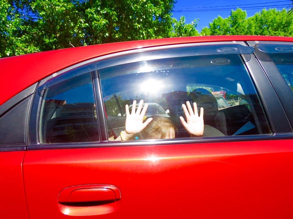 В Харькове спасли иностранца, который 12 часов просидел на жаре в закрытом автомобиле (фото)