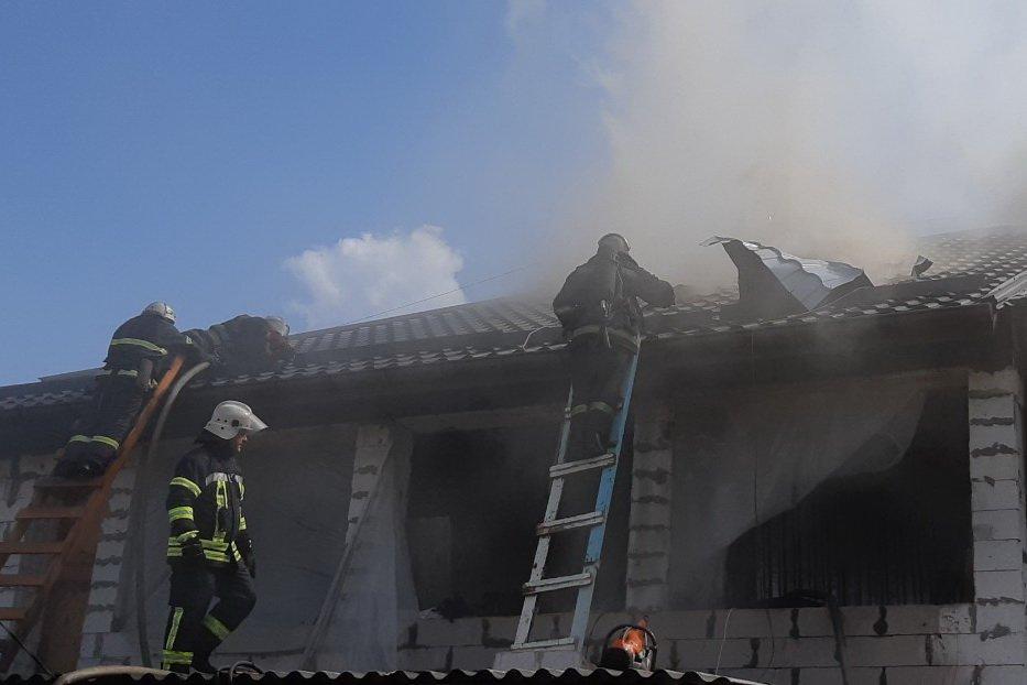 В Харькове горела двухэтажка
