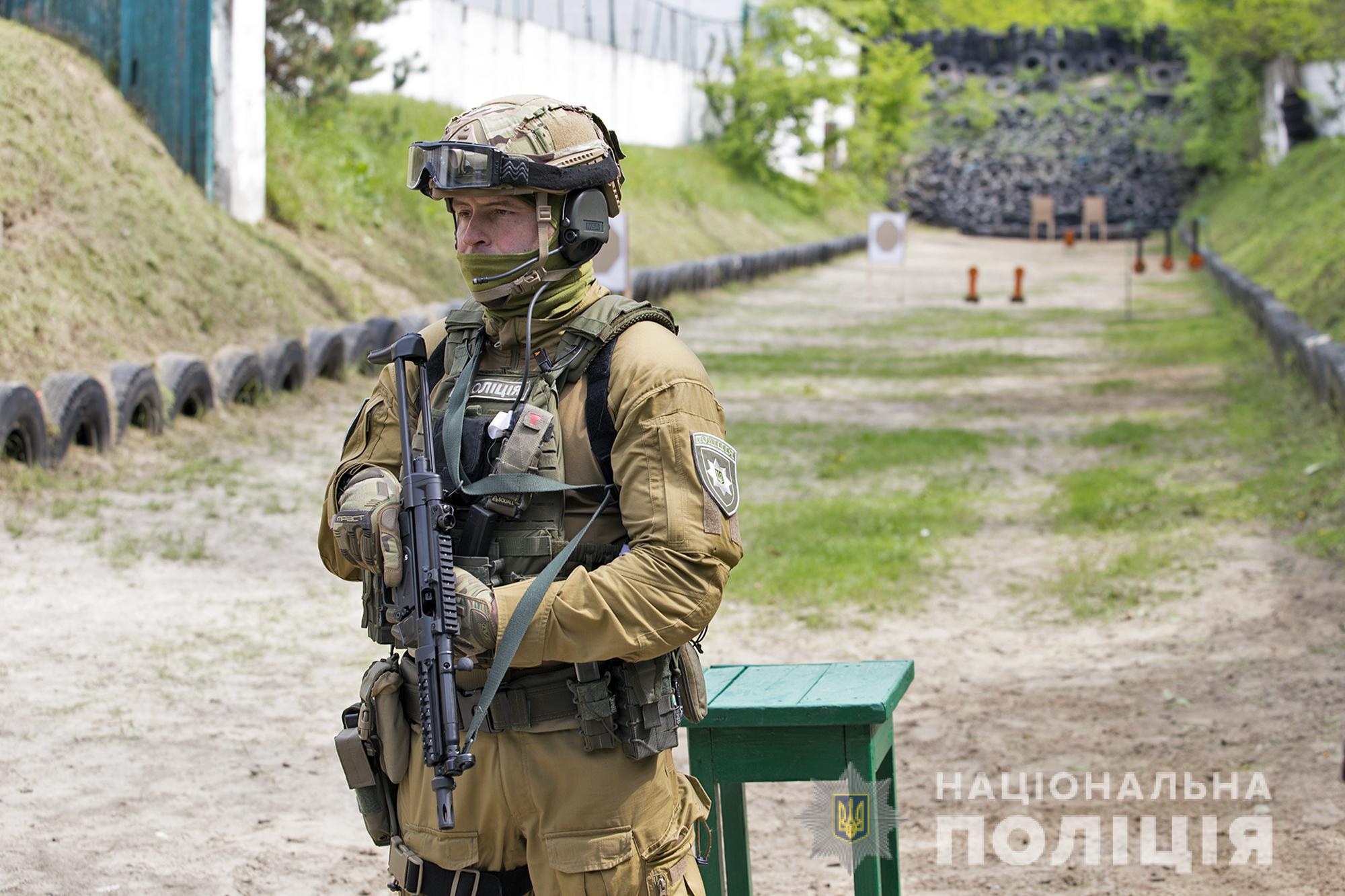Украинская полиция отказывается от автомата Калашникова и переходит на пистолет-пулеметы (видео)