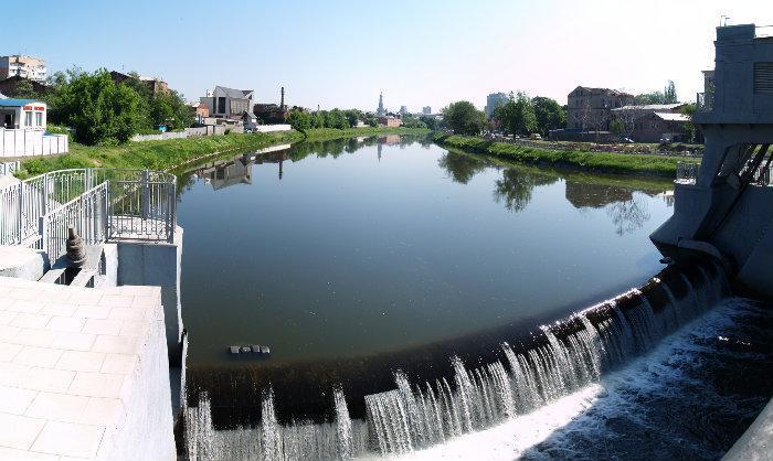 Харьковчане просят повысить уровень воды в городских реках