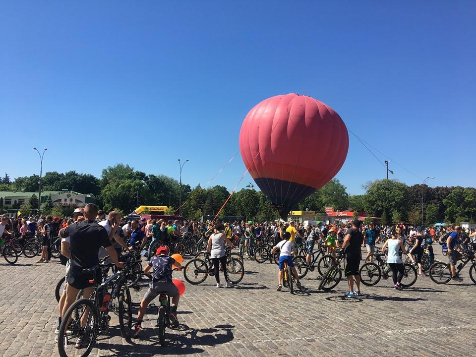 Тысячи велосипедов в центре города: в Харькове-велодень (фото)