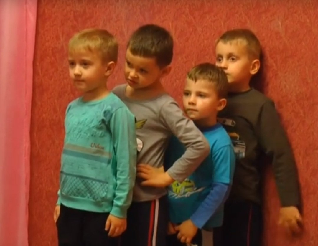 Вихованці Харківського центру соціально-психологічної реабілітації дітей відзначили День матері (відео)