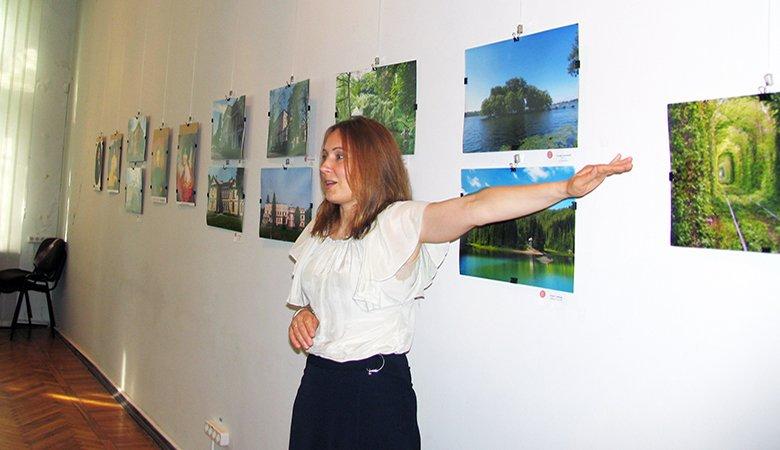 Харьковчанка рассказала о выставке,посвященной замкам иусадьбам Украины