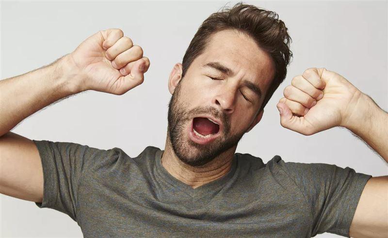 Ученые выяснили, почему люди зевают