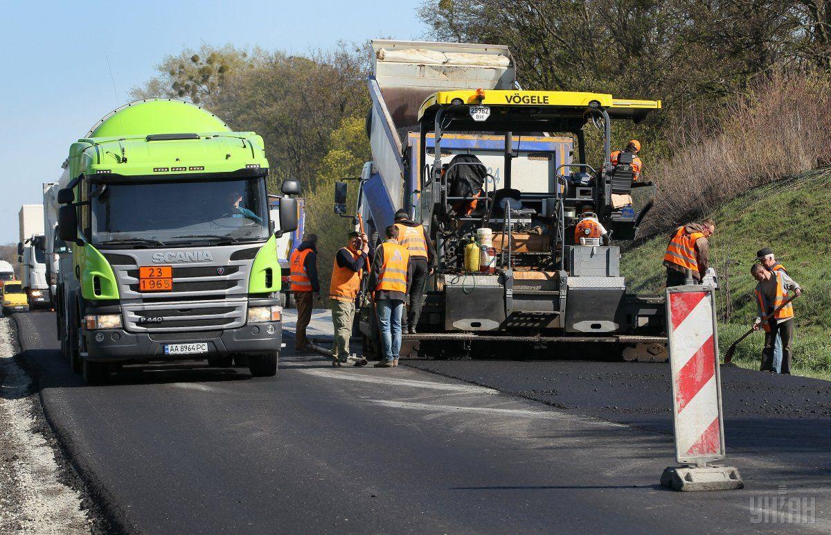 На Харьковщине продолжают ремонтировать дороги