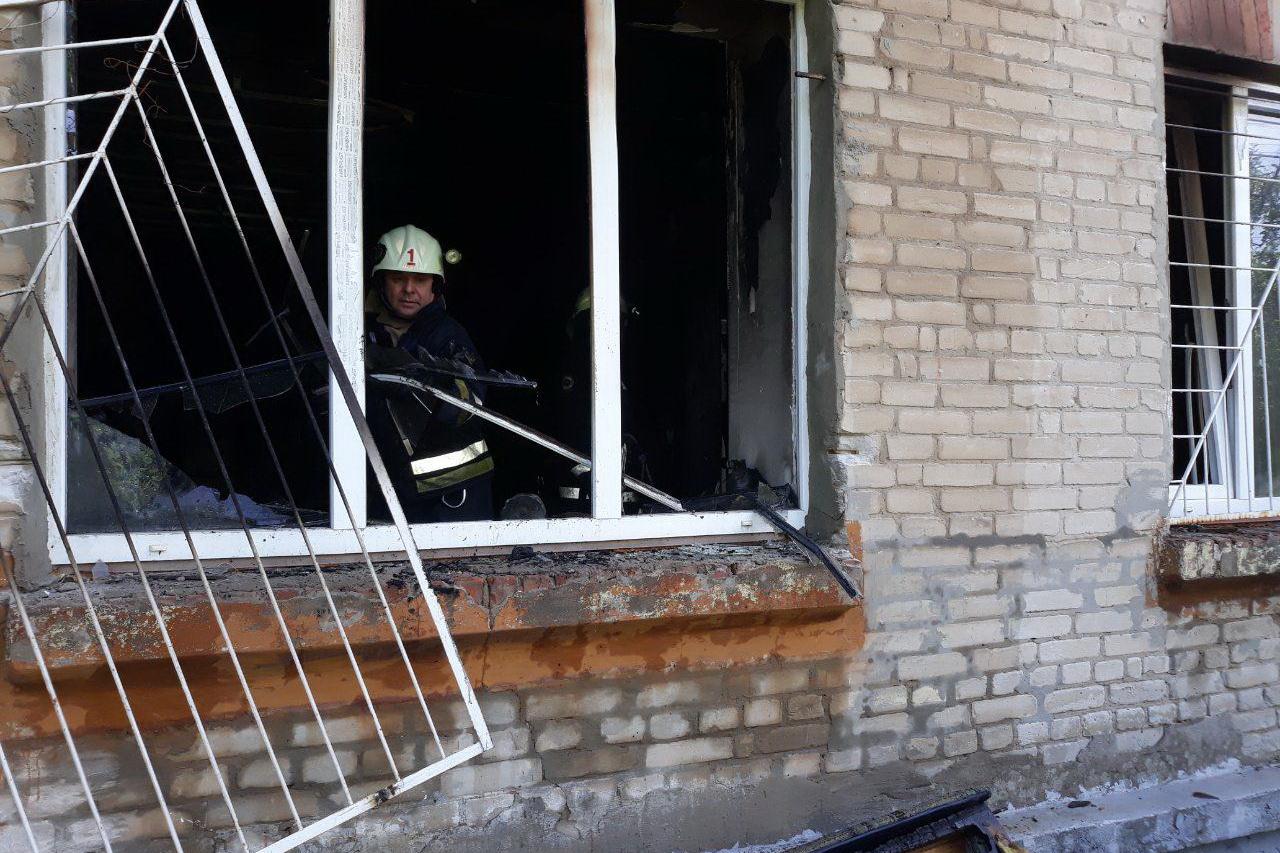 На Харьковщине спасли на пожаре мужчину, который не мог самостоятельно передвигаться (фото)