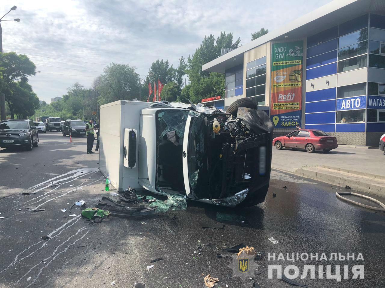 Полиция уточнила число пострадавших в ДТП на Тракторостроителей