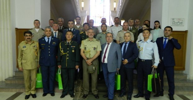 Делегация военных атташе посетила Харьков