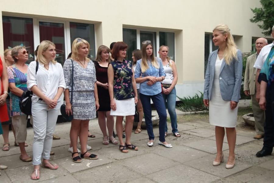 Светличная ознакомилась с ходом ремонта Солоницевской гимназии