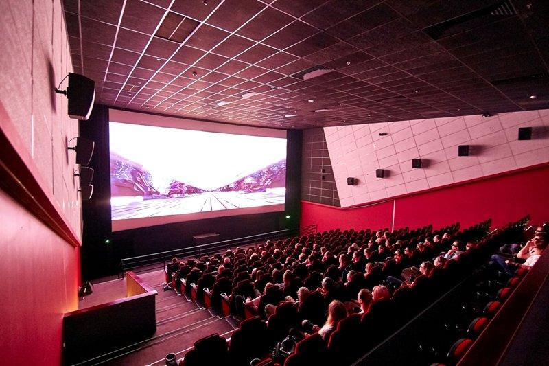 В Украине разрешили строить небольшие кинотеатры