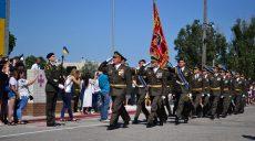 У Харківському інституті танкових військ відбувся випуск лейтенантів (відео)