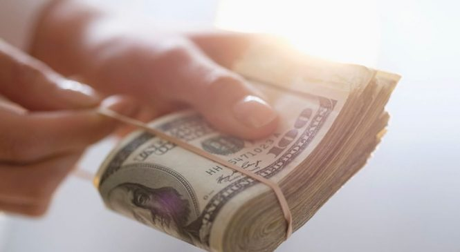 Ð159;оÑ135;Ñ130;и 4 миллиона доллаÑ128;ов: в ХаÑ128;Ñ140;кове диÑ128;екÑ130;оÑ128; IT-компании задолжал налоговикам