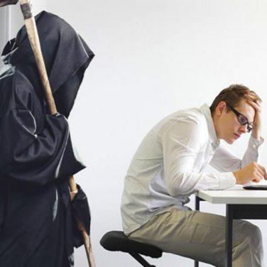 Ученые выяснили,что работать больше 10 часов – опасно для жизни
