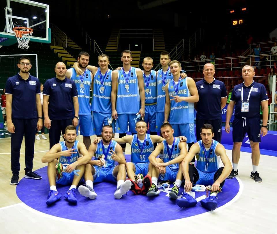 Харьковские баскетболисты стали серебряными призерами Универсиады