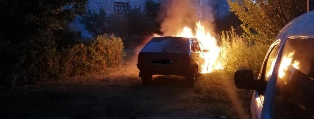 В Харькове по ночам продолжают гореть автомобили (фото)