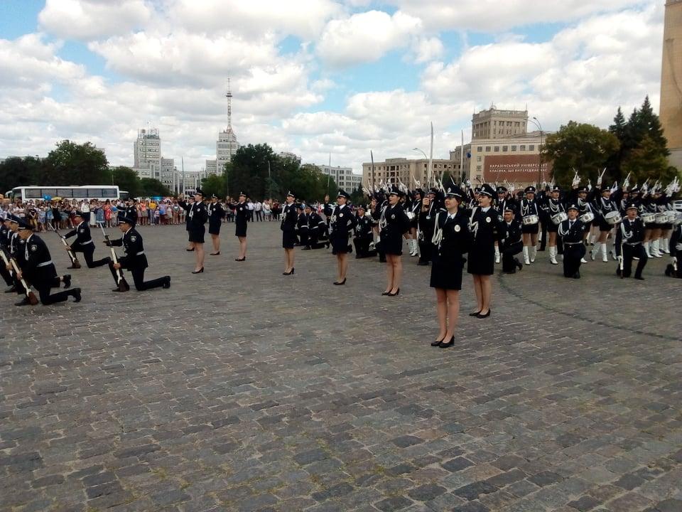 На площади Свободы прошел парад в честь дня Национальной полиции Украины (фоторепортаж)