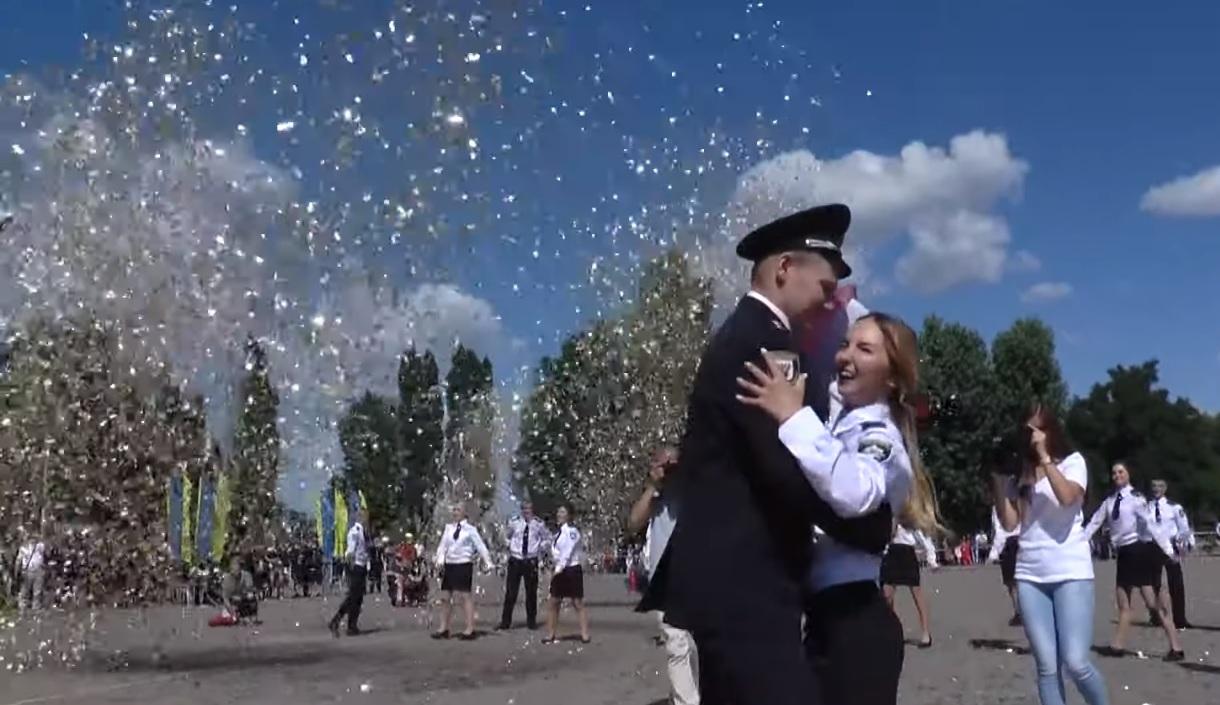 100 курсантів Харківського університету внутрішніх справ стали офіцерами (відео)
